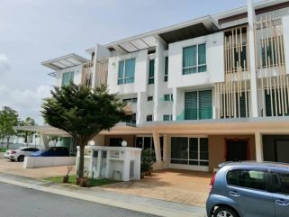 room for rent, landed house, cyberjaya, [RENT] 3 STOREY SUPERLINK HOUSE AT CASSIA GARDEN RESIDENSI, CYBERJAYA