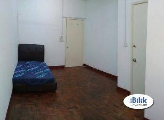 room for rent, master room, taman mayang, Kelana Jaya Room Rent WALKING 5Mins to LRT & Wi-Fi