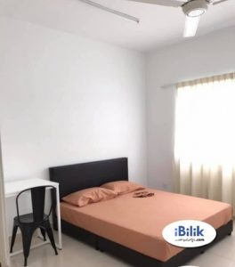 room for rent, medium room, usj 11, Available Middle Room Rent Near Summit, Segi College With Wifi