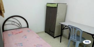 room for rent, medium room, setia alam, Room at Setia Alam, Shah Alam With Free WI-FI & Cleaning Services