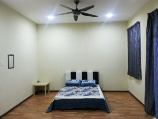room for rent, medium room, d'kayangan, Aircon Medium Room Attach bathroom at Shah Alam, D'Kayangan Nearby AEON Section 13, Giant [WI-FI]