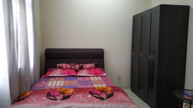 room for rent, landed house, ttdi plaza, TTDI NEAR MRT FREE WIFI ROOM FOR RENT