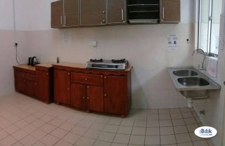 room for rent, medium room, damansara utama, Damansara Utama Room Rent Walking to Starling Mall , Uptown With WI-FI