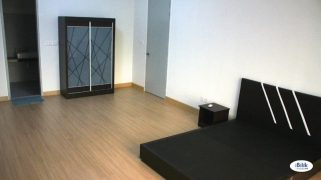 room for rent, medium room, bangsar, Weekly Cleaning at Bangsar with 100MBPS WI-FI
