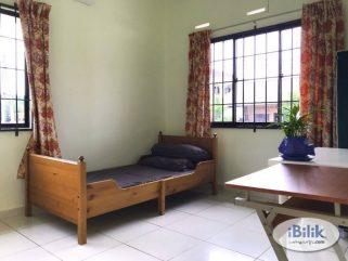 room for rent, medium room, bandar puchong jaya, Non-Smoking Unit At Jln Kenari Bandar Puchong Jaya, Puchong With Free Wifi
