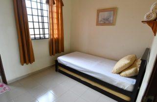 room for rent, medium room, bandar puteri puchong, Cozy Room at Bandar Puteri Puchong Near Taman Perindustian