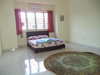 room for rent, medium room, bandar bukit puchong 2, Great Location Room Rent at Bandar Bukit Puchong 2 With 24hrs Security & Free Maintenance