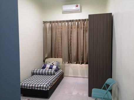 room for rent, medium room, bandar puchong jaya, Full Furnished Room at JLN KENARI Bandar Puchong Jaya, Puchong with wifi & A/C