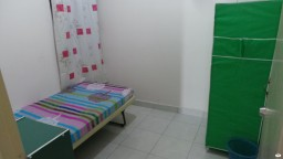 room for rent, medium room, bandar kinrara, Non-Smoking Unit For Rent at Bandar Kinrara With Cleaning services & 24Hrs security