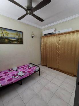 room for rent, medium room, bandar puchong jaya, Great Location Room at Bandar Puchong Jaya With Maintanence & Security Services