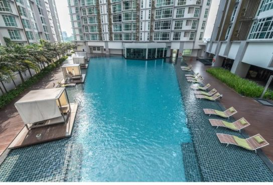 room for rent, medium room, sungai besi, Medium room to rent , clean housemates and easy going !