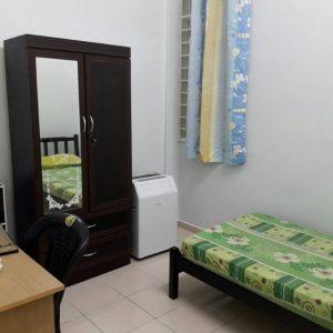 room for rent, medium room, bandar bukit raja, Affordable Living Room To let Bandar Bukit Raja, Free Wifi, Include Utilities