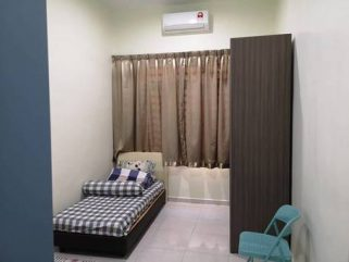 room for rent, medium room, taman puchong utama, Great Location Room with Full Furnished at Puchong Utama With Wifi & A/C