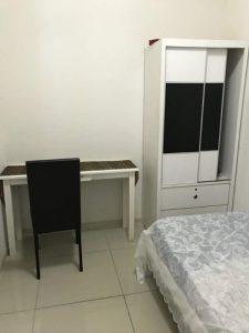 room for rent, medium room, kota kemuning, 100MBPS WIFI Room RENT at Kota Kemuning With Weekly Cleaning Provided