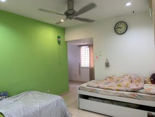 room for rent, medium room, taman desa, Mz's room