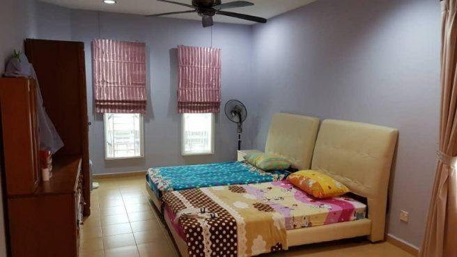 room for rent, medium room, taman desa, Cy's room