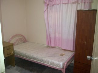 room for rent, medium room, sungai besi, Strictly for Non Smoking! SUNGAI BESI KUALA LUMPUR ( JLN TASIK UTAMA 5 )