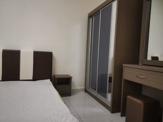 room for rent, medium room, bandar sunway, Mentari Court 1 Middle Room For Rent /AC/Wifi/Immediate