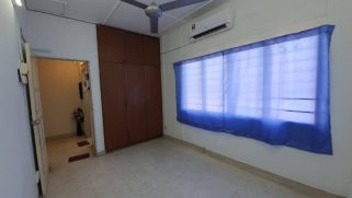 room for rent, medium room, petaling jaya, Nearby Taman Bahagia LRT Station with Strategic Location