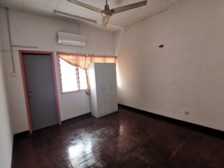 room for rent, medium room, taman mayang, Looking for Housemate! TAMAN MAYANG KELANA JAYA ( SS25 / SS26 )