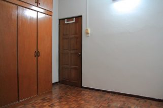 room for rent, landed house, cheras, Middle room with attached bathroom