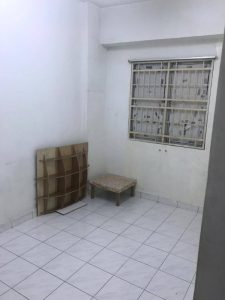 room for rent, medium room, jalan yoga 13/42, Private medium room with fan provided