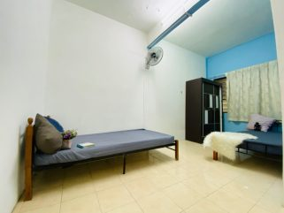 room for rent, medium room, taman puteri subang, Fully Furnished Terrace For Rent At Taman Puteri Subang, Subang Bestari