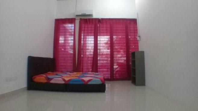 room for rent, medium room, kota kemuning, Room for Rent at Kota Kemuning with Unlimited WiFi