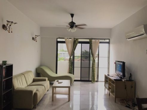 room for rent, single room, one ampang avenue, Single room with nice housemate (450RM/month)