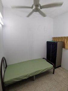 room for rent, medium room, taman sea, Looking for Housemate! TAMAN SEA KELANA JAYA