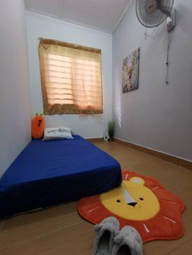 room for rent, medium room, ttdi plaza, Room rental at TTDI, Kuala Lumpur