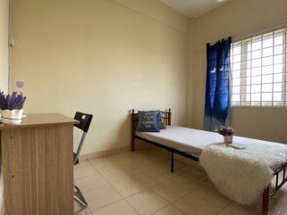 room for rent, medium room, subang bestari, 0% Deposit Bilik Sewa Dekat Subang Airport Ada Air-Cons (Fully Furnished)