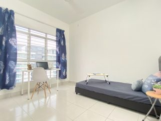 room for rent, medium room, sentul, CLEAN Balcony Fully Furnished Room For Rent at Sentul