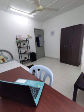 room for rent, medium room, setia alam, 1 Room🛌 1 Bathroom🛁 🔰 Room for rent Setia Alam