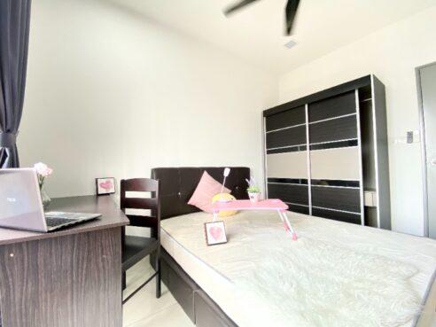 room for rent, medium room, cheras, ONLY FEMALE 1+1 Deposit Nearby LRT Room for Rent at Cheras