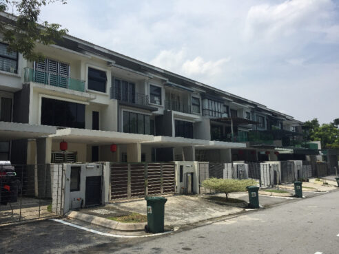 room for rent, medium room, sungai besi, 3 Sty Super Link @ Lake Fields, Sg Besi, TBS, Fully Furnished With Air-Cond