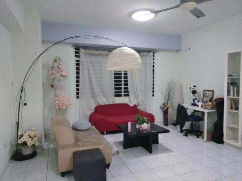 room for rent, medium room, ss7, middle room@kelana Puteri Condo