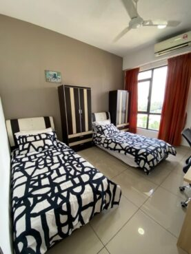 room for rent, medium room, hicom-glenmarie industrial park, Cosy Sharing Room in Glenmerie, Shah Alam. FEMALE ONLY 👩💼