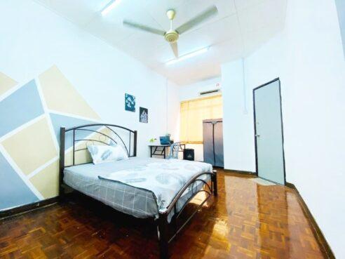 room for rent, medium room, shah alam, [Low Deposit]Medium Room for Rent at Bukit Rimau, Shah Alam