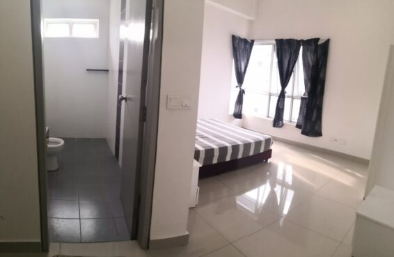room for rent, master room, puchong, Master bedroom with aircond at Puchong