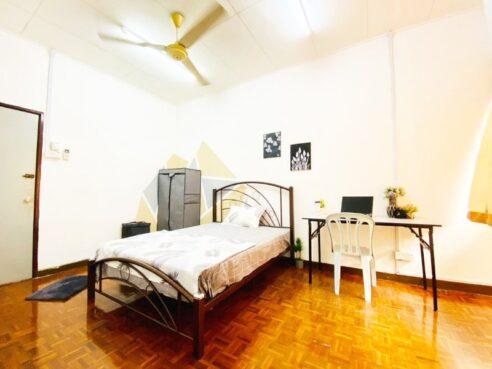 room for rent, medium room, shah alam, [Low Rental Price!]Medium Room for Rent at Bukit Rimau, Shah Alam