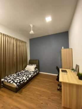 room for rent, medium room, utropolis, (FREE JUNE RENTAL) Fully Furnished Middle Bedroom in Paramount Utropolis Shah Alam (Available for Immediately Move-In)