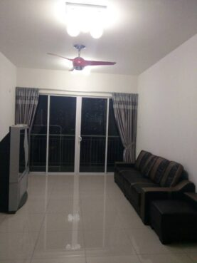 room for rent, medium room, sungai ara, Middle room for rent (Garden Ville – High End Condo)