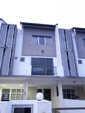 room for rent, medium room, puchong, Male Only Room Equipped With Wifi at Tasik Prima, Puchong